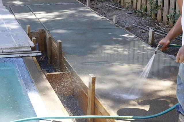 Producent basenu – jak wybrać?