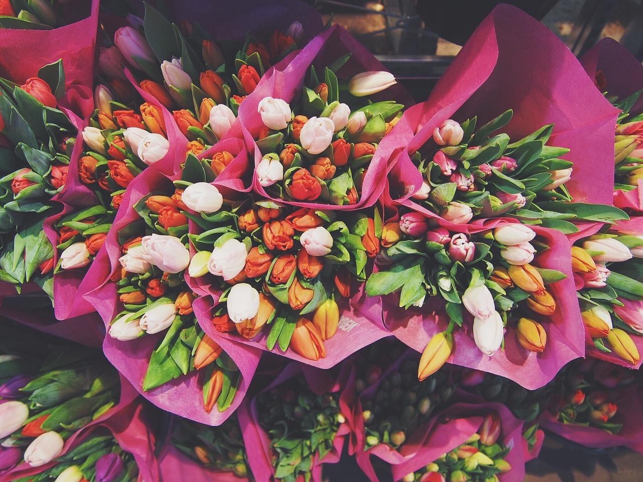 Kwiaciarnia wysyłkowa. Prezent kwiatowy dla każdego – kwiaty z dostawą