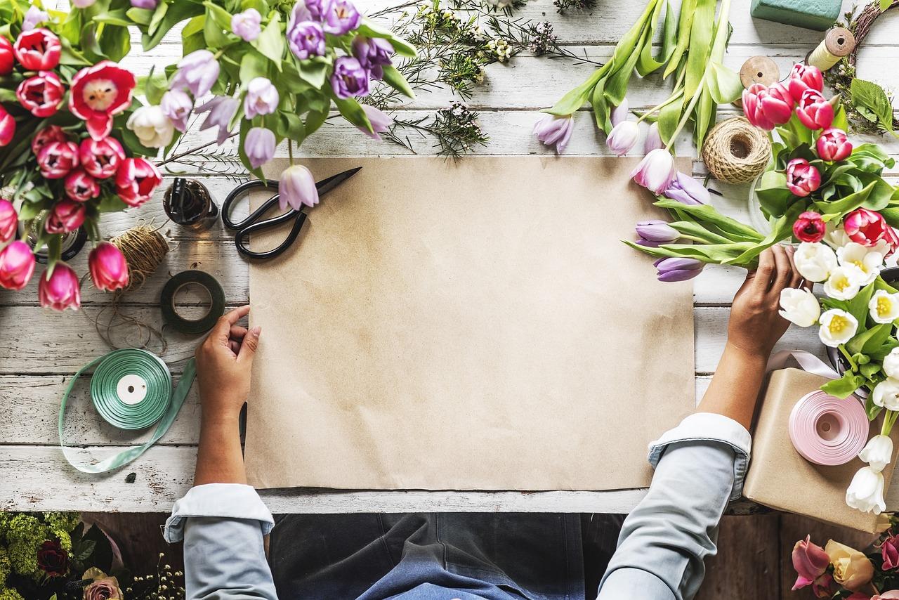 Polskie kwiaciarnie – kwiaty z dostawą Poznań. Czy kwiaciarnie mogą jeszcze przetrwać na rynku?