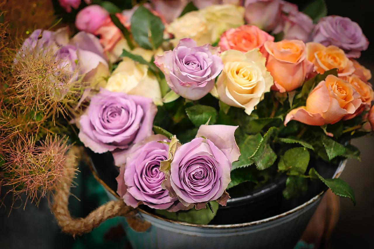 Pojemniki na kwiaty. Stylowe wnętrza z kwiatami, czy bez? Kwiaty w pudełku Gdańsk